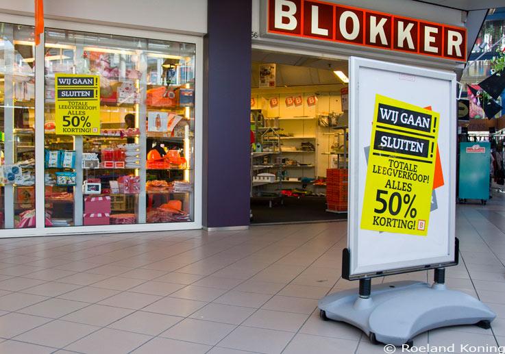 blokker ziet zich genoodzaakt een aantal winkels te sluiten concurrentie en internet lijken hiertoe aan ten grondslag te liggen foto amstelveen