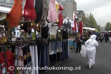 zondag markt by dappermarkt