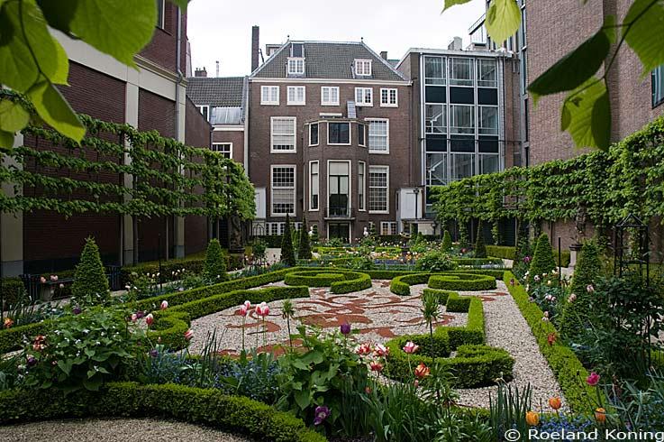 Grachtentuinen van amsterdam for Herengracht amsterdam