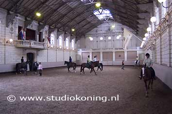 Hollandsche manege for Manege interieur